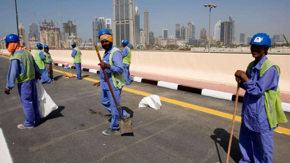 Saudi Arabia must protect financial rights of migrant workers